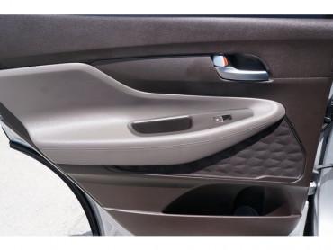 2019 Hyundai Santa Fe - Image 16