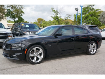 2018 Dodge Charger - Image 2