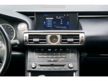 2016 Lexus IS - Image 21
