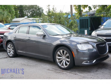 2019 Chrysler 300 Limited 4D Sedan - 19634H - Image 1