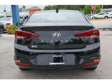 2020 Hyundai Elantra - Image 5