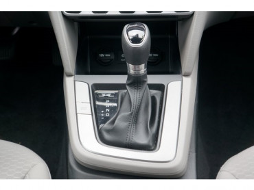 2020 Hyundai Elantra - Image 22