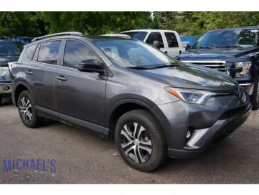 2017 Toyota RAV4 - Image 0